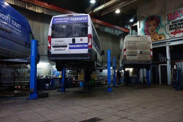 Техцентр AFDM - коммерческие автомобили на ремонте